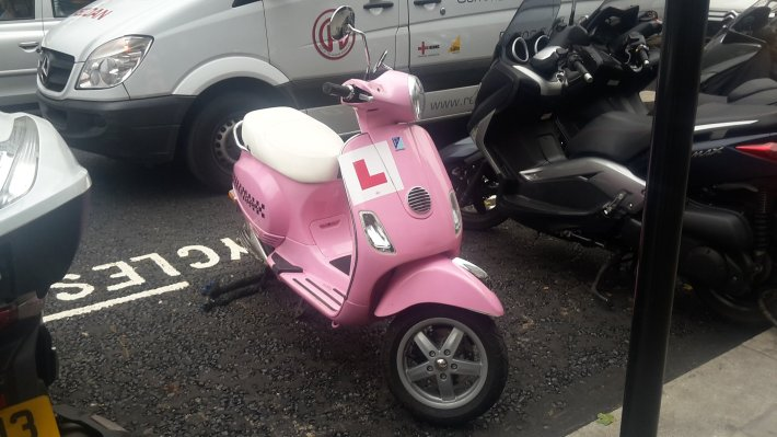moped pink